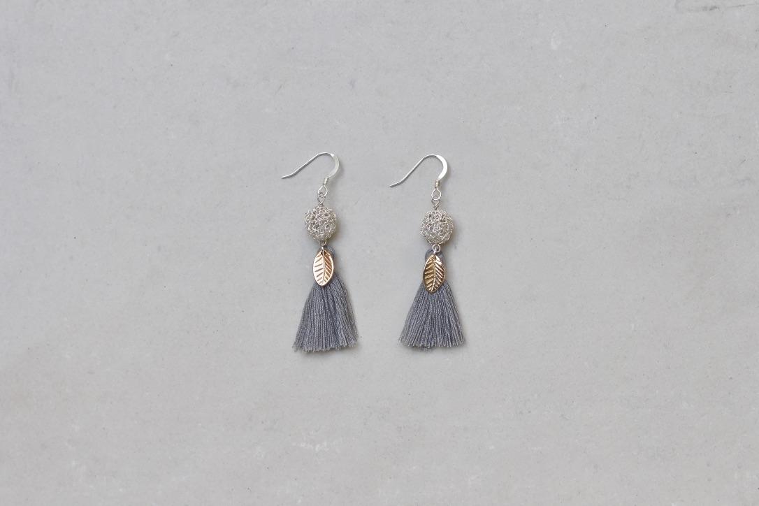 7617538045e0be GRAY & SILVER TASSEL. 35 €. Tassel earrings ...