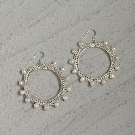Aros de plata y perlas